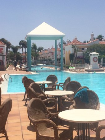 Cordial Green Golf: Pool side (main pool)