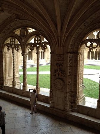 The Cloister of Jeronimos Monastery: Amazing buildings perfectly proportioned
