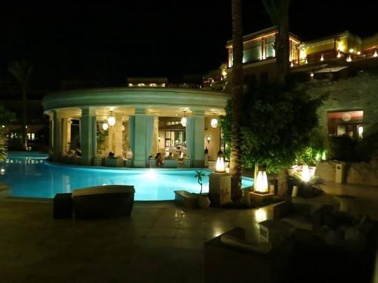 The Makadi Spa Hotel (Adults Only): lovby bar
