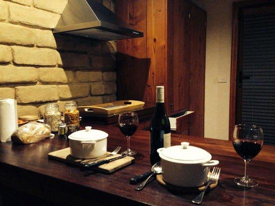Lyrebird cottages : Dinner delivered to our cottage
