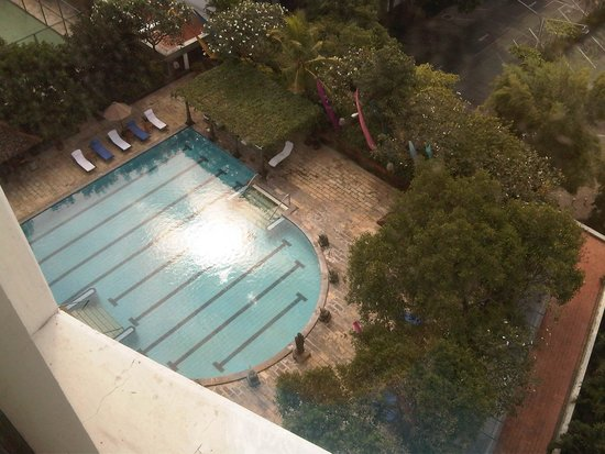 Bumi Surabaya City Resort: Pool view from room windows