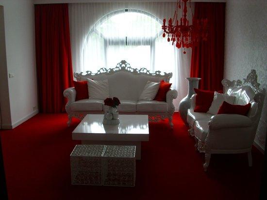 Van der Valk Hotel Brugge-Oostkamp: Suite (salon)