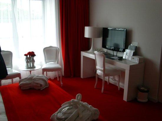 Van der Valk Hotel Brugge-Oostkamp: Suite (chambre)
