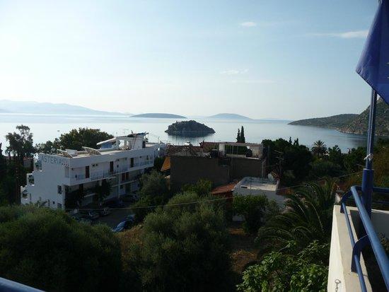 Heliotopos Apartments: Vista al mattino dal poggiolo della stanza