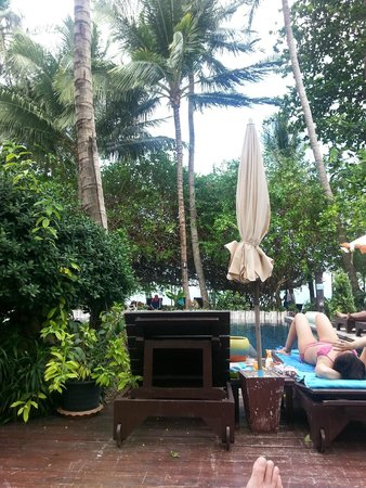 Chaweng Garden Beach Resort : Poolside