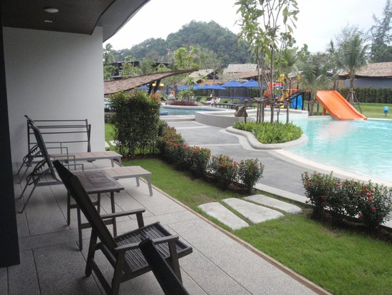 Holiday Inn Resort Krabi Ao Nang Beach : View of Pool