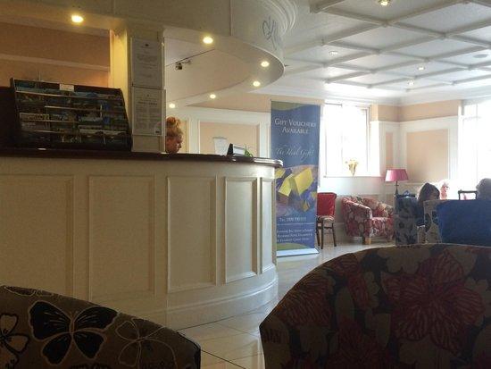 Killarney Court Hotel: Lobby