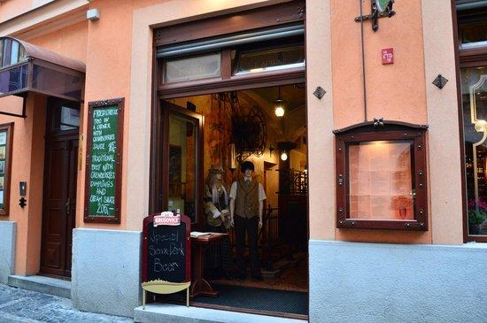 Hotel Dar: Ресторан при отеле