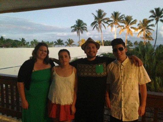 Naviti Resort : family pic