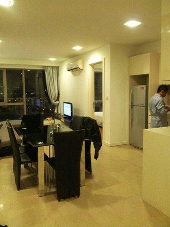 The Crib at Bukit Bintang: kitchen and living room