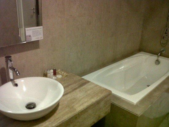 The Crib at Bukit Bintang: toilet