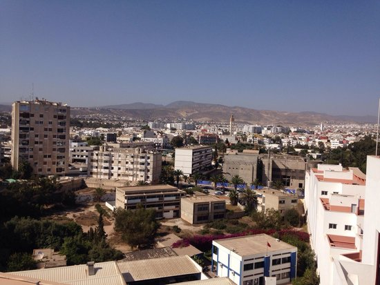 Studiotel afoud : View from terrace across city towards Atlas Mountains