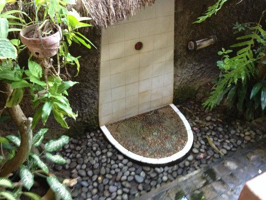 Good Karma Bungalows : Beautiful shower