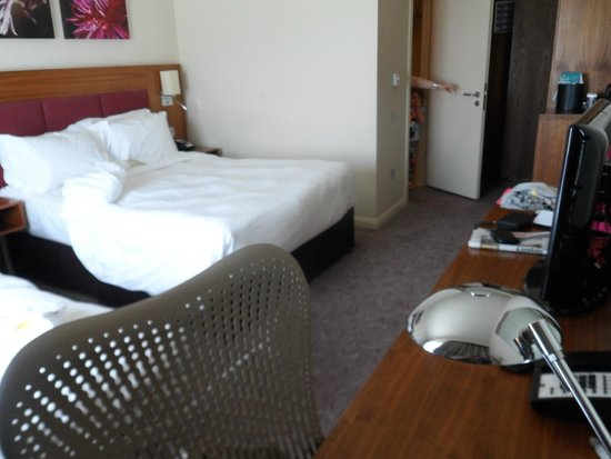 Hilton Garden Inn Luton North: Modern looking clean room