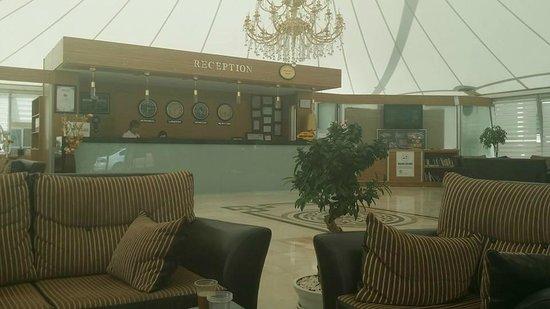 Aes Club Hotel: Hotel Reception