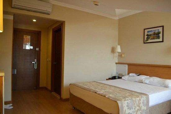 Aes Club Hotel: Attic Room 3401