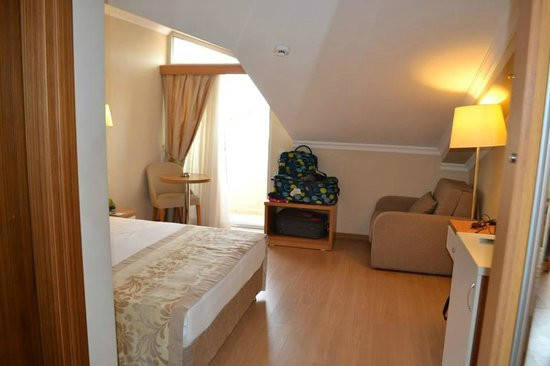 Aes Club Hotel: Attic Room