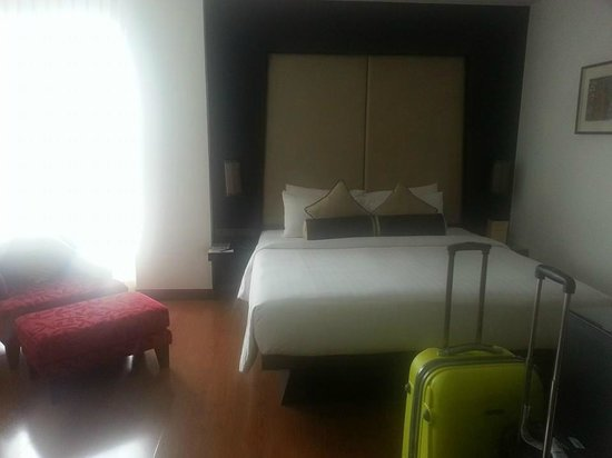 SilQ Bangkok Hotel: Bed is comfortable