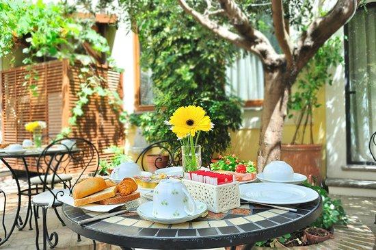 Relais Le Clarisse in Trastevere: Private Garden