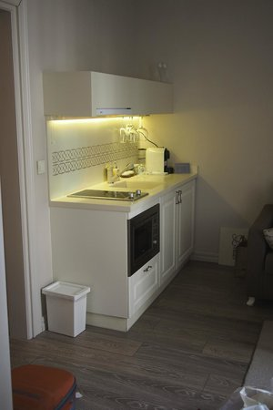 Louis Appartements Galata : small kitchen in relaxing area