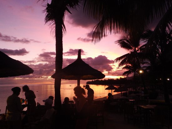 Infinity Blue: Sunset at Blue Infinity Bar