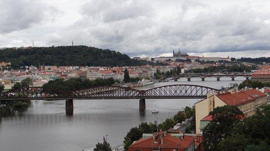 Vyšehrad : Вид на мосты Праги