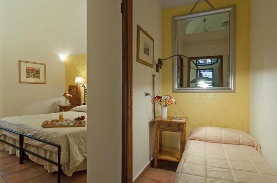 Relais Le Clarisse in Trastevere: Junior Suite with Direct Access to the Garden