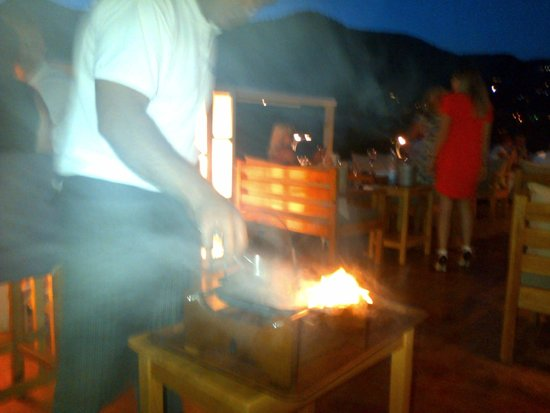 Buzz Bar: Steak cooked at the table