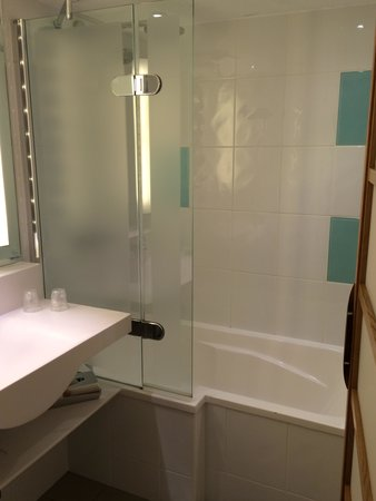 Novotel Manchester Centre: Bathroom