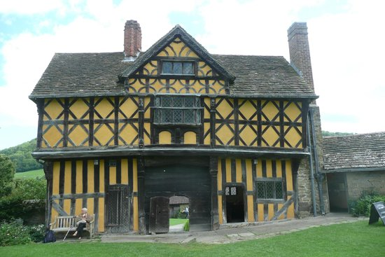 Stokesay Castle: Gatehouse
