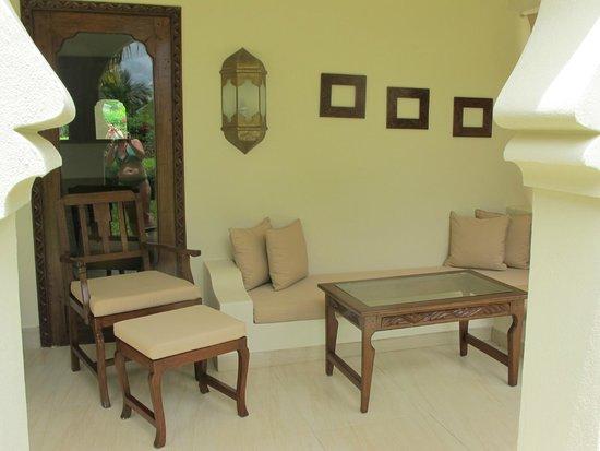 Baraza Resort & Spa: Terrasse couverte de notre villa