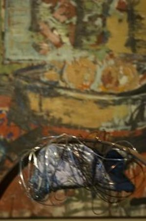 HotelMR: Escultura en la entrada de David callau artista cambrilense