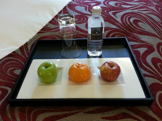 InterContinental Melbourne The Rialto: Complimentary fruit