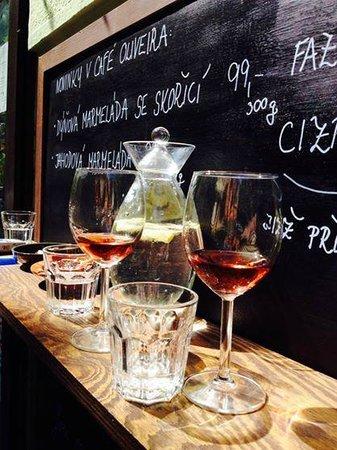 Cafe Oliveira : Matheus rosé wine