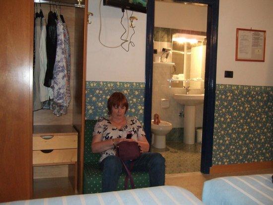 Hotel Iris Crillon : Bedroom