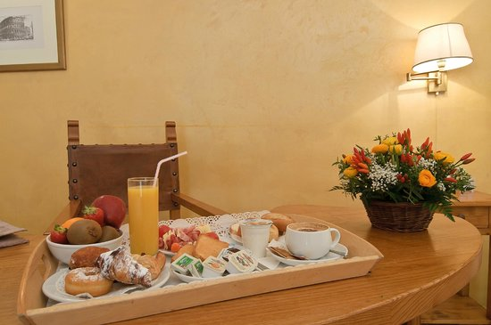 Relais Le Clarisse in Trastevere: Family Suite with Direct Access to the Garden