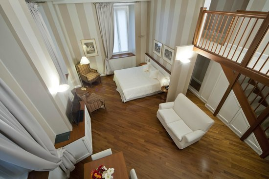 Camperio House Suites & Apartments: Deluxe Suite