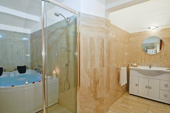 Relais Le Clarisse in Trastevere: Jacuzzi Bath
