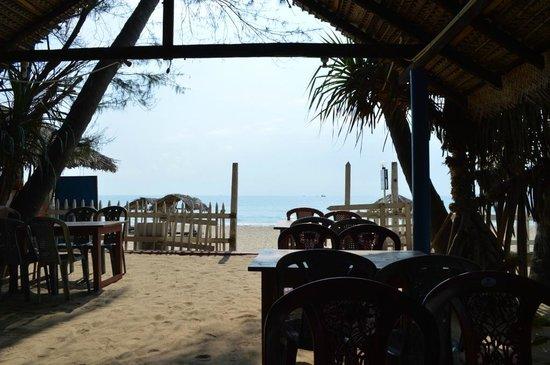 Shiva's Beach Resort & Restaurant: View from Shina's Restaurant