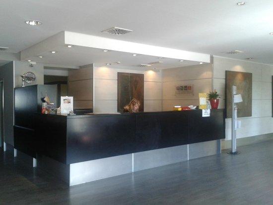 Quality Hotel Rouge et Noir Roma: Reception