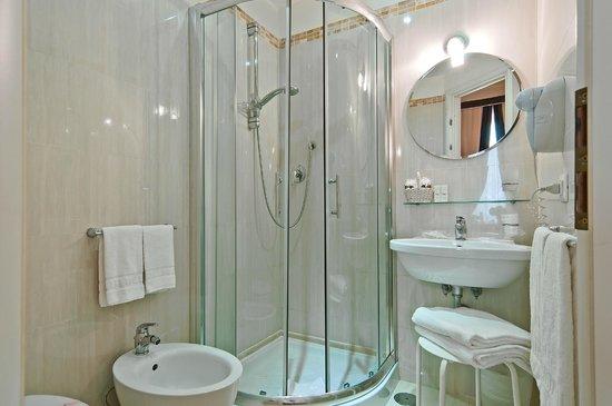 Relais Le Clarisse in Trastevere: Bathroom