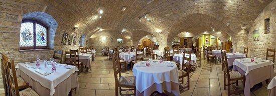 Hostellerie Saint Vincent: Restaurant, caveau
