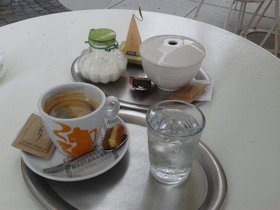 Lolita: ''americano'' coffee and tea