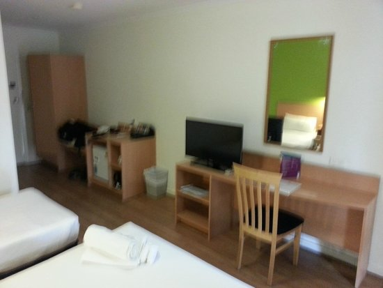 Ibis Styles Alice Springs Oasis: Interior, Room 108
