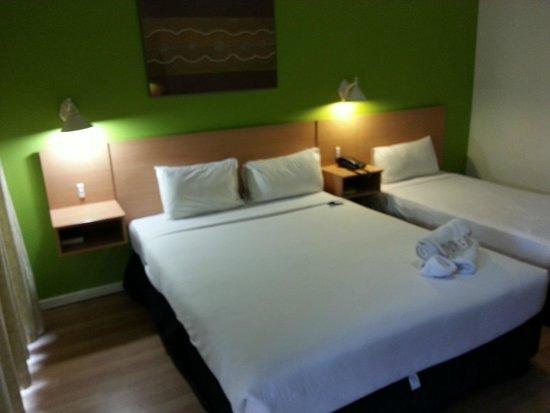 Ibis Styles Alice Springs Oasis : Bed arrangements, Room 108