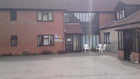 Church Farm Guesthouse: Entrance