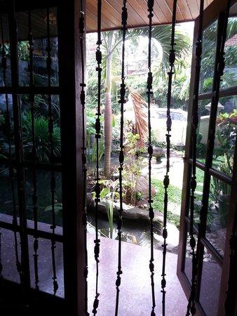 Puri Artha Hotel : Grounds