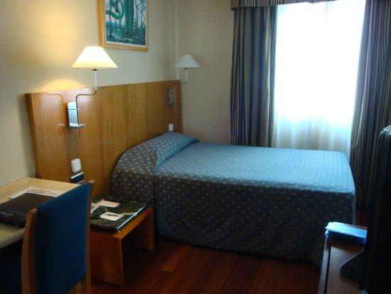 NH Rambla de Alicante: Chambre au dernier étage donnant sur la cour intérieure