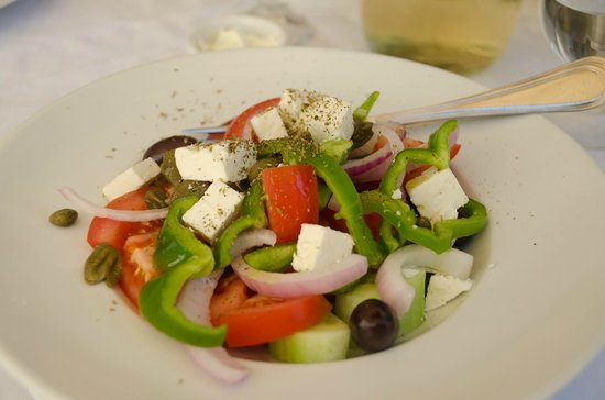The Old Tavern of Psara : Traditional greek salad - full of rich taste!