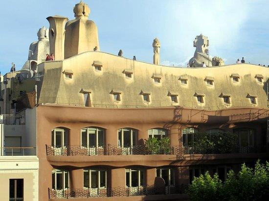 Quartprimera Apartments : La Pedrera (vista dal salotto)